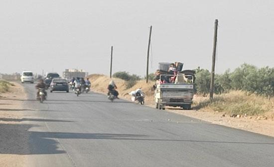 مقاتلات روسية تقصف إدلب.. وحركة نزوح للمدنيين .. بالفيديو