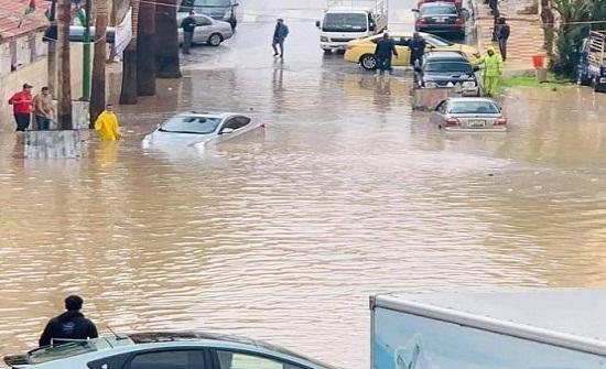 الامطار تغرق شارعا بالمدينة الرياضية -صور