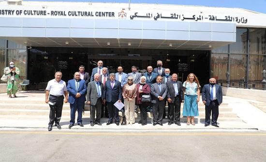 وزير الثقافة يلتقي رئيس وأعضاء وفد جمعية عون