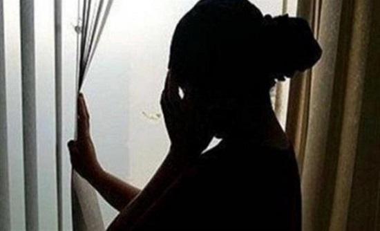في بلد عربي : طلاق 6 سيدات بعد فضحهن بفيديوهات إباحية مع أحد الأشخاص