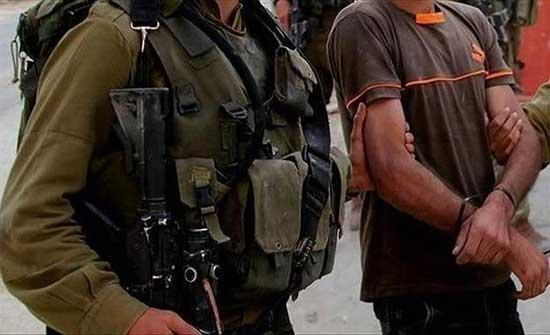 الضفة.. الجيش الإسرائيلي يعتقل فلسطينيين اثنين ويفتش عدة منازل