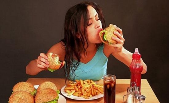 دراسة : هناك علاقة بين  الطعام والمزاج