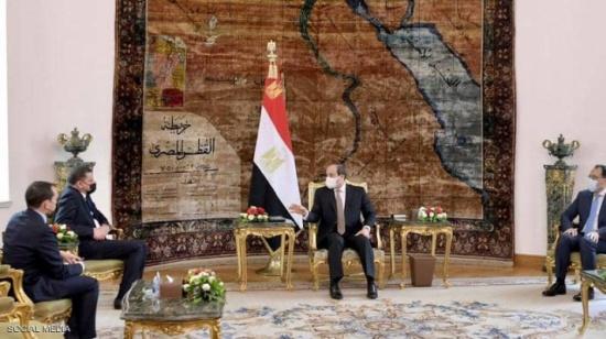 السيسي يلتقي دبيبة في القاهرة.. وعودة الطيران الليبي لمصر
