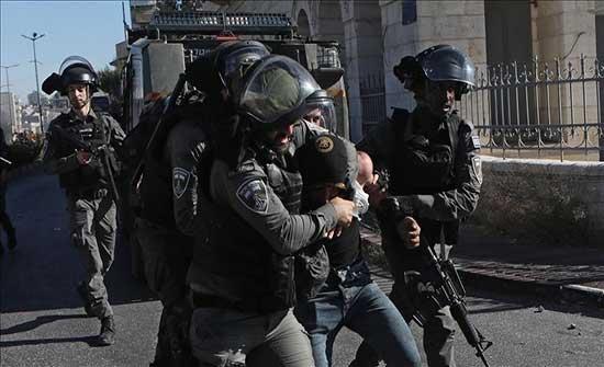 الجيش الإسرائيلي يعتقل شابين ويصيب آخرين بالاختناق شمال الضفة