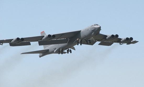 قاذفات B-52 أمريكية تتجه إلى الشرق الأوسط ووسائل إعلام إسرائيلية تكشف وجهتها