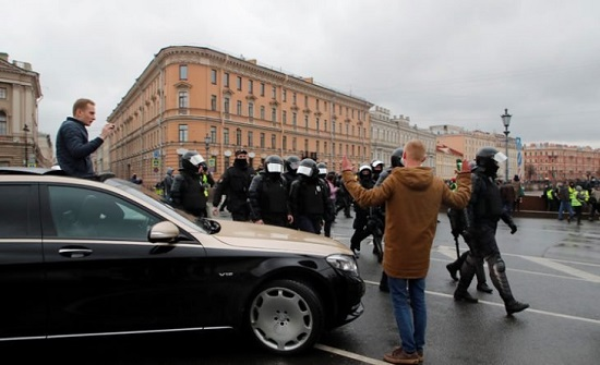 اعتقال أكثر من 1000 متظاهر في احتجاجات تأييد لنافالني بأنحاء روسيا - (فيديوهات)