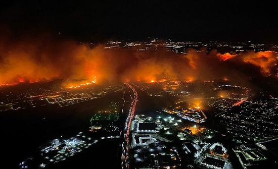 قطع الكهرباء عن مليون شخص بكاليفورنيا ومخاوف من حرائق