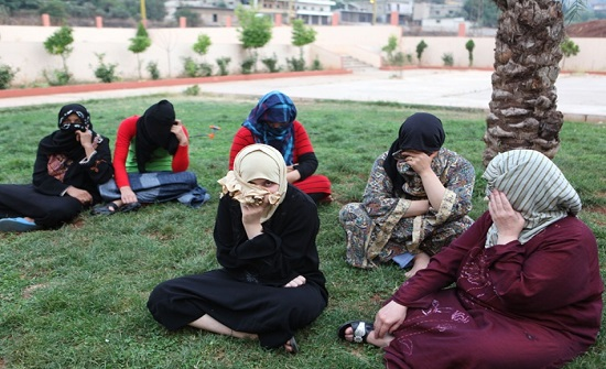 تضامن : اللاجئات السوريات يعانين من أزمات نفسية وصحية واقتصادية قد تلازمهن طيلة حياتهن