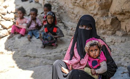 تحذير من تخزين أسلحة وذخائر الحوثي بمناطق مأهولة بالسكان
