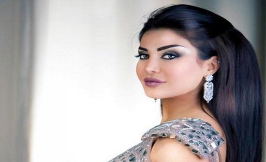 الكويتية مي العيدان تهاجم أمل العوضي: حبكت هالأكتاف العارية بالشهر الفضيل (صور)