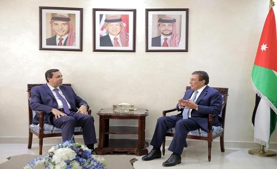 الطراونة يؤكد  دعم الأردن المستمر للحل السياسي والعودة الطوعية للاجئين