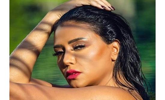 شاهد : رانيا يوسف بملابس قصيرة مثيره تثير الجدل