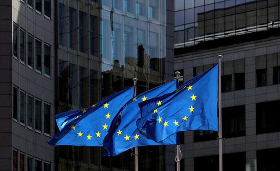 """مصدر: الاتحاد الأوروبي قد يرفض طلبات توريد لقاح """"أسترازينيكا"""" من أراضيه إلى بريطانيا"""