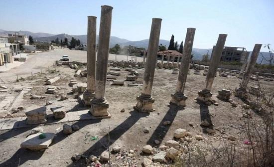 مستوطنون متطرفون يقتحمون المنطقة الأثرية في سبسطية شمال نابلس