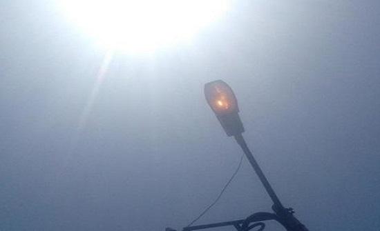 المومني للكهرباء: شوارع الزرقاء تُضاء نهارا
