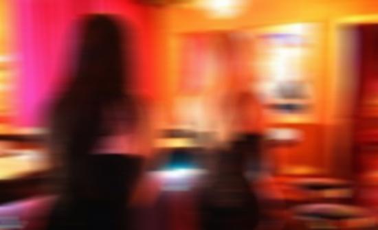 مصر: تسترت خلف حساب وهمي على «فيسبوك» لاصطياد زبائن المتعة الحرام طوال 3 سنوات