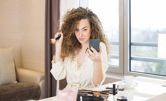 الآثار السلبية لمستحضرات التجميل