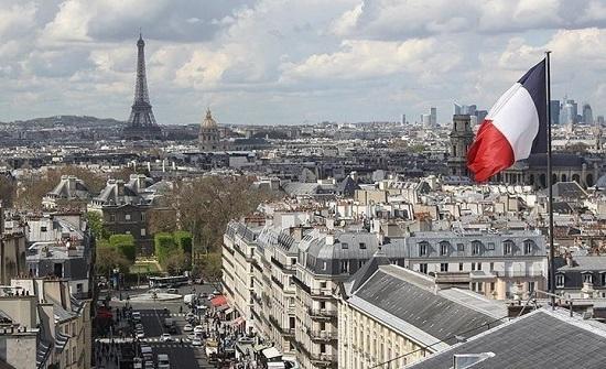 """غضب فرنسي متصاعد بشأن """"الغواصات"""".. وانتقادات للاستخبارات"""