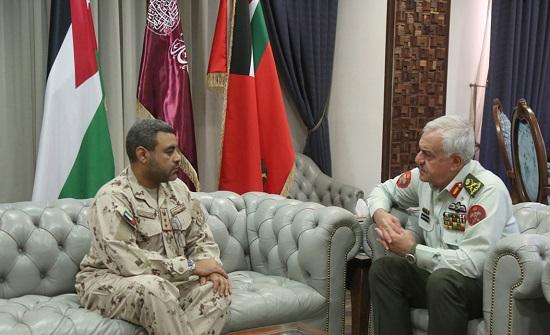 رئيس هيئة الأركان المشتركة يستقبل الملحق العسكري الإماراتي