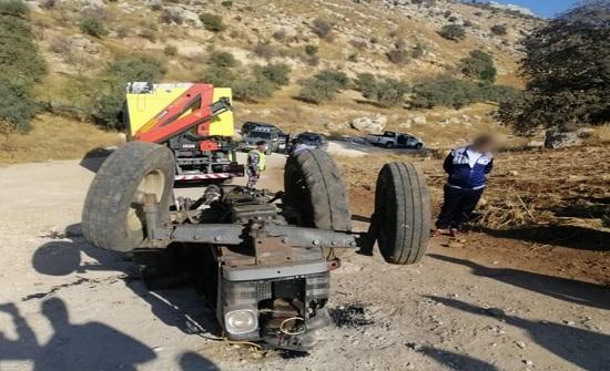 وفاة سائق (تراكتور) اثر حادث تدهور في البيادر .. صور