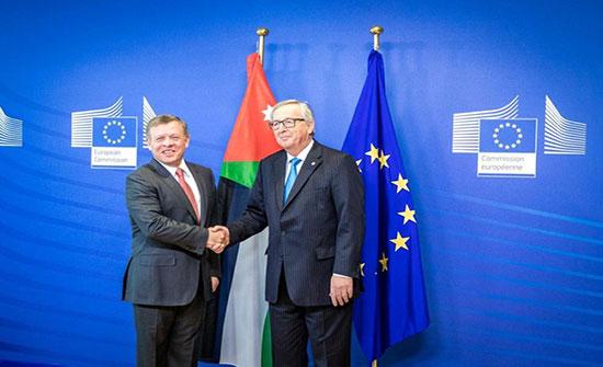 الملك يبحث مع رئيس المفوضية الأوروبية فرص توسيع التعاون مع الاتحاد الأوروبي
