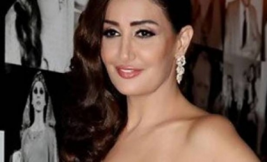 فستان زفاف غادة عبد الرازق يتصدر التريند