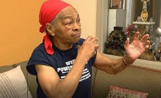 معركة بين عجوز عمرها 82 عاما ولص اقتحم منزلها.. والنتيجة مفاجئة- (فيديو)