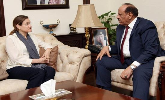 وزير الداخلية يلتقي ممثل مفوضية الأمم المتحدة لشؤون اللاجئين
