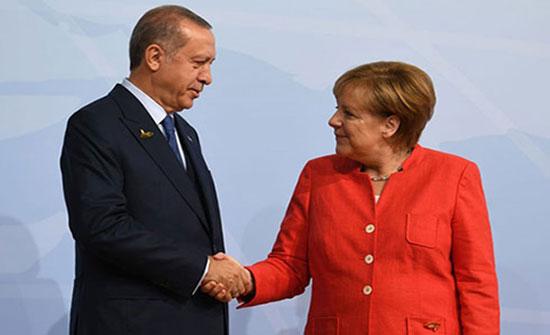 أردوغان وميركل يبحثان ملفات اللاجئين وسوريا وليبيا