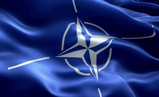 الناتو يبحث رفع عدد قواته بالعراق من 500 إلى 5 آلاف عنصر
