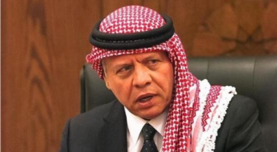 الملك وولي العهد يقدمان العزاء لأمير دولة الكويت بوفاة الشيخ صباح الأحمد