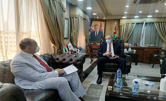 وزير العمل يبحث مع السفير الأميركي أوجه التعاون المشترك