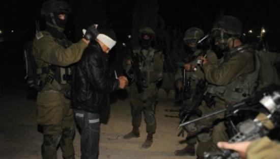 الاحتلال الاسرائيلي يعتقل 12 فلسطينيا بالضفة الغربية