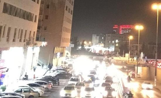 بالفيديو والصور : ازمة سير خانقة في شوارع عمان