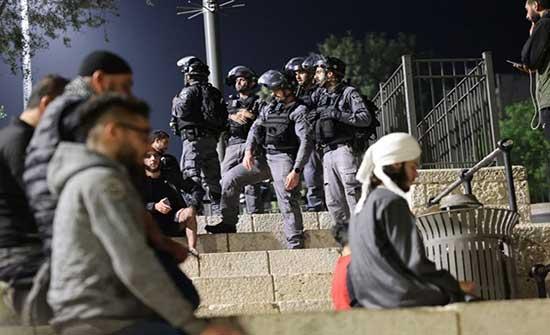 مقدسيون يتحدون الاحتلال وهتافات بساحة باب العامود .. بالفيديو
