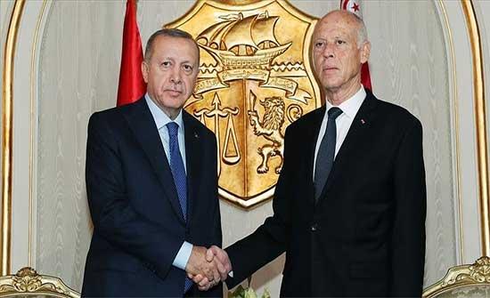 أردوغان يؤكد لسعيّد أهمية استقرار وديمقراطية تونس