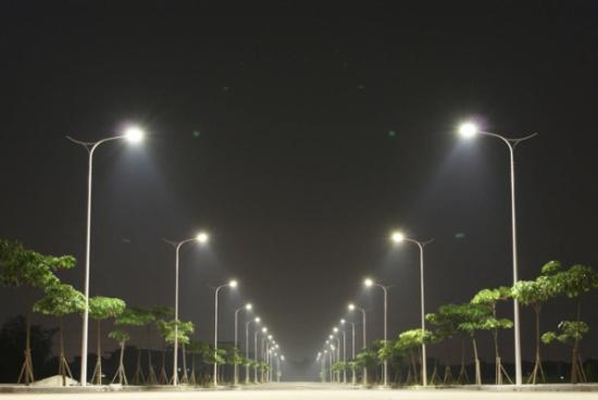 """شركات خاصة لاستبدال إنارة شوارع البلديات بـ """"LED"""""""