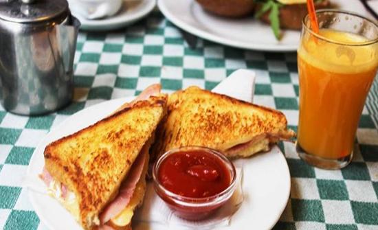 4 أخطاء ترتكبها في فطور الصباح وتجعلك سمينًا