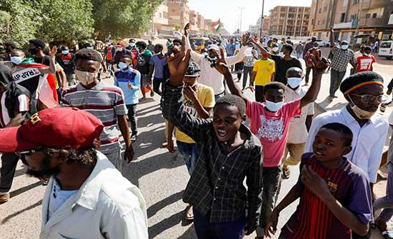 وقفات احتجاجية داخل لجنة إزالة التمكين في السودان دعما للتحول الديمقراطي