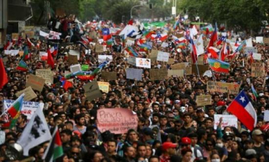 مليون متظاهر في شوارع سانتياجو