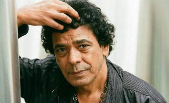 محمد منير يُعرب عن استعداده للزواج من أي مطلقة