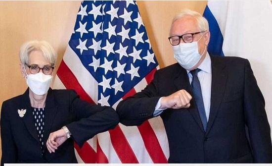 """واشنطن تعتبر المحادثات مع موسكو """"مهنية وموضوعية"""""""