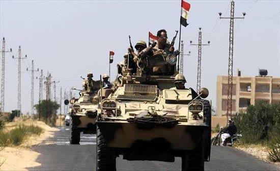 """الجيش المصري: مقتل """"مسلح"""" وتوقيف 6 شمالي سيناء (بيان)"""