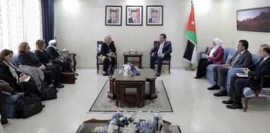 الطراونة يلتقي برلمانيات جزائريات ويؤكد رفض الاتحاد البرلماني العربي التدخل الخارجي بشؤون الجزائر