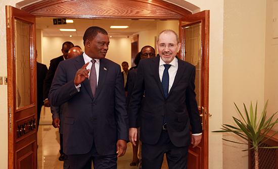 الصفدي يلتقي رئيس مجلس الجمعية الوطنية الكينية