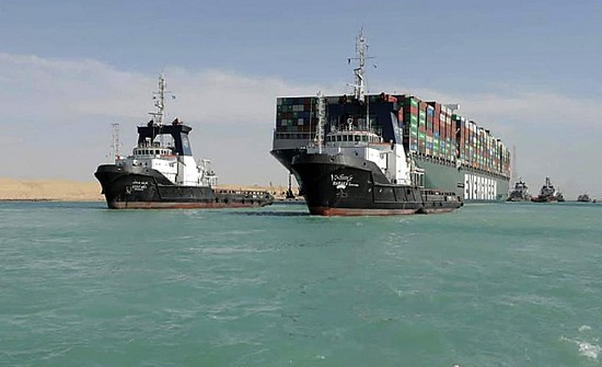 """أول رد فعل من شركة تأمين """"إيفر غيفن"""" على قرار مصر التحفظ على السفينة"""