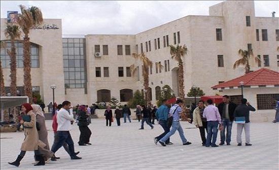 عميد البحث العلمي في جدارا يشارك في مناقشة رسالة ماجستير لطالب من جامعة اليرموك عن بُعد