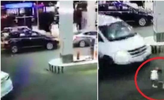 شاهد : طفل يتعرض لحادث دهس عند محطة بنزين في السعودية