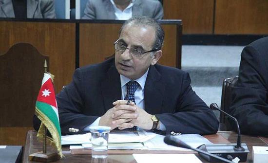 وزير الادارة المحلية يتابع تجربة علمية لمعالجة مياه الزيبار
