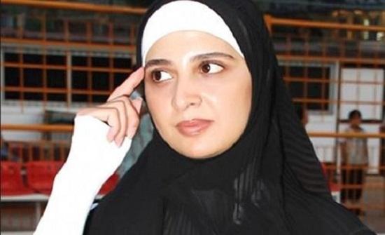 صورة لحنان ترك بدون حجاب تثير الجدل بشأن عودتها للتمثيل